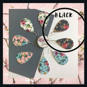 🌸🆕1LEFT! Black Floral Teardrop Earrings